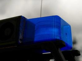 """Symbolfoto. Nahaufnahme eines Blaulichts von einem Polizeiwagen für den Bericht """"Fahrzeug mit Blaulicht und Signalhorn erwischt""""."""