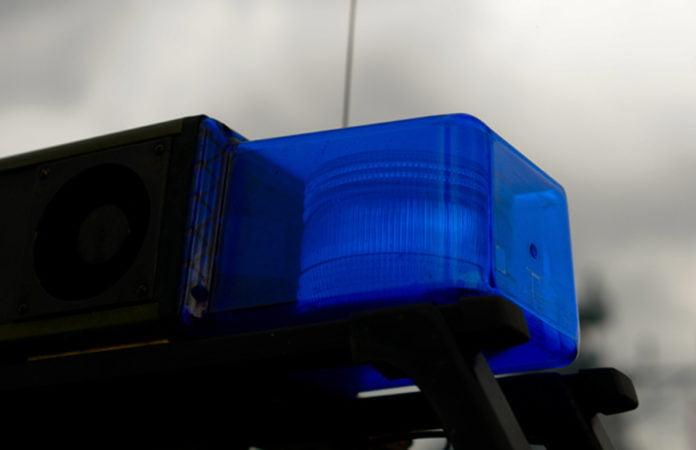 Symbolfoto. Nahaufnahme eines Blaulichts von einem Polizeiwagen für den Bericht