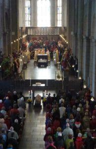 Ein Gottesdienst  in der Kirche St. Matthias.