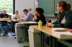 Fleißige Wahlhelfer im Angela-Merici-Gymnasium.
