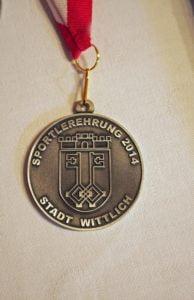 Eigens für den Anlass wurde 2014 eine Medaille geprägt, die jedem Geehrten überreicht wurde.