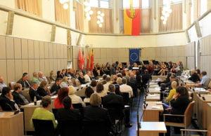 Die feierliche Sitzung, bei der auch 22 Ratsmitglieder verabschiedet wurden, fand am Donnerstag im Stadtratssitzungssaal satt.