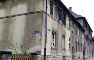 Vor allem die städtischen Wohnungen im Irminenwingert sind in einem erbarmungswürdigen Zustand.