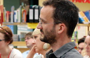 Künstler Sebastian Böhm berichtete von den Erfahrungen, die er bei seiner Arbeit am FSG gemacht hat.