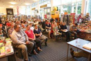 Der Zuhörerraum in der Mayerschen Buchhandlung war gut gefüllt.