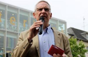 Leibe konnte schon bei der Diskussion an der Uni Trier punkten - am Samstag legte er auf dem Kornmarkt nach.