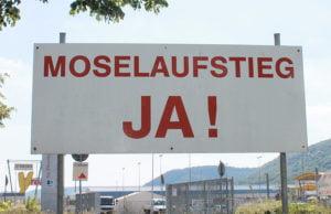 """Jensen plädiert dafür, keine Luftzschlösser zu bauen. Er hält """"Moselaufstieg"""" und """"Meulenwaldautobahn"""" für unrealistisch."""