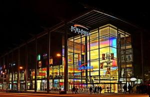 Das ECE-Center in Stuttgart - die Schlössle-Galerie im Abendlicht. Werden Shoppingcenter solchen Ausmaßes als Investitionsprojekt zu unrentabel?