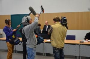 Das Medieninteresse am Prozesse um den tödlichen Schuss in einem Kleingarten war riesig. Einer der Nebenklagevertreter ist Justizrat Schmitz.