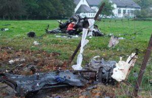 Durch die Wuchte des Aufpralls wurde das Fahrzeug zerstört.