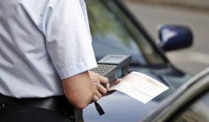 Knöllchen müssen von luxemburgischen Falschparkern nicht bezahlt werden - sie werden nicht weiter verfolgt.