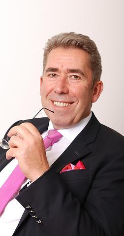 Prof. Dr. Dr. Thomas B. Schmidt ist Spezialist für Insolvenzrecht. Er gehört der Kanzlei König Rechtsanwälte Partnerschaftsgesellschaft mbB in Trier an.