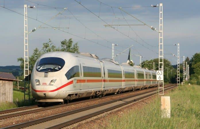 ZUg_ IC_Schienen_ Bahn