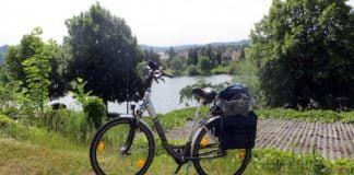 Fahrrad am Moselufer