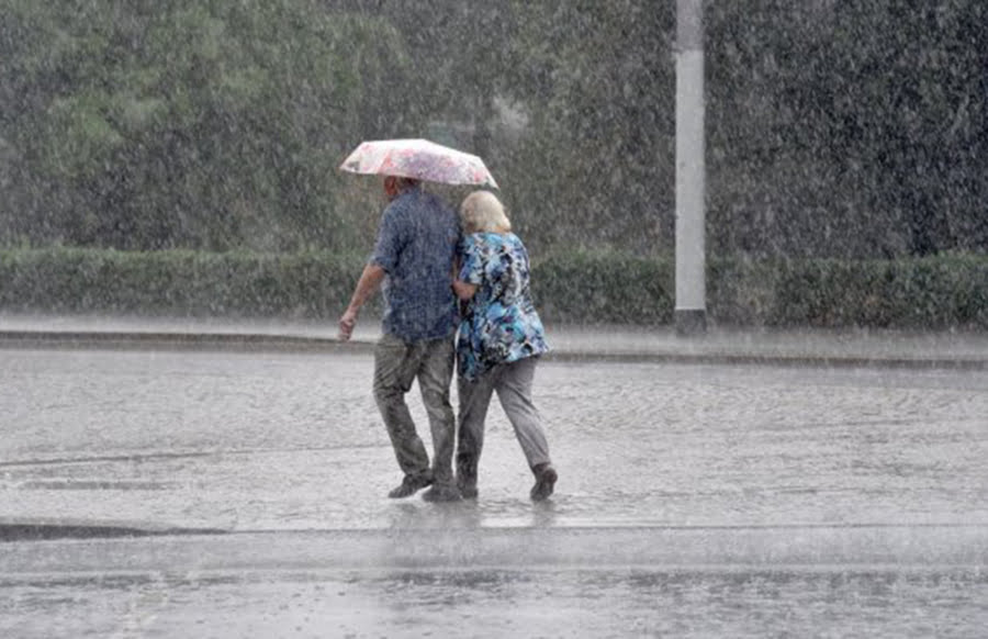 Sommer-Sonne adé: Tief bringt ab Dienstag Schauer und Gewitter