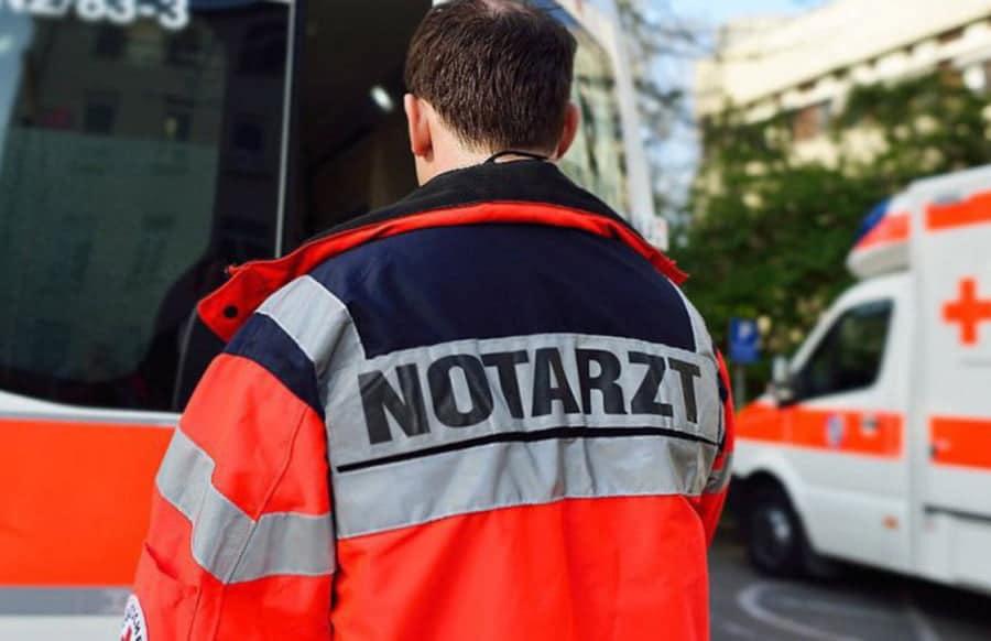 Schwerer Unfall in Mettlach: Wagen geht in Flammen auf - Sechs Kinder verletzt