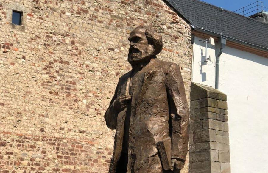 Karl Marx Jubiläumsausstellungen In Trier Enden Mit Rund 160000