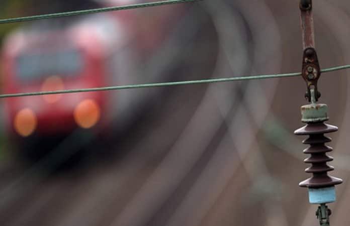 Bahn-Oberleitung
