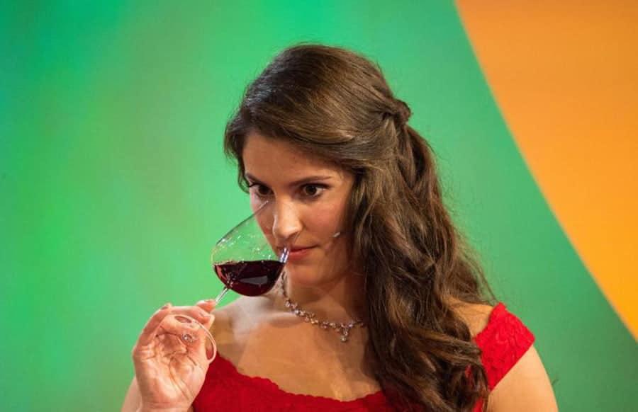 Angelina Vogt vom Anbaugebiet Nahe neue Deutsche Weinkönigin