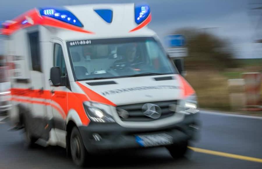 -Pkw-schleudert-mit-abgefahrenen-Reifen-in-den-Gegenverkehr-3-Verletzte-bei-Crash-in-Konz-