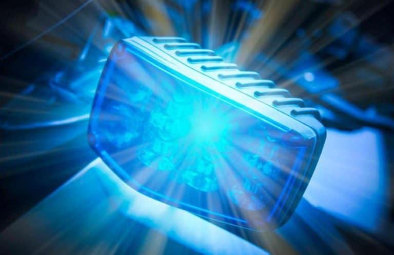 Täter stößt Kneipengast Treppe hinunter – Schwerverletzt!