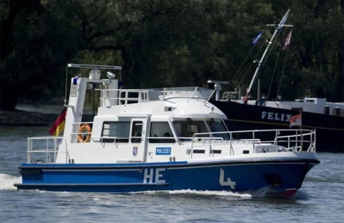 Streifenboot der Polizei