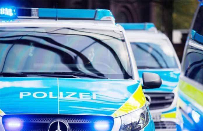 Polizei-Fahrzeuge im Einsatz