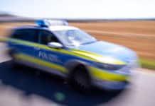 Polizeifahrzeug im Einsatz