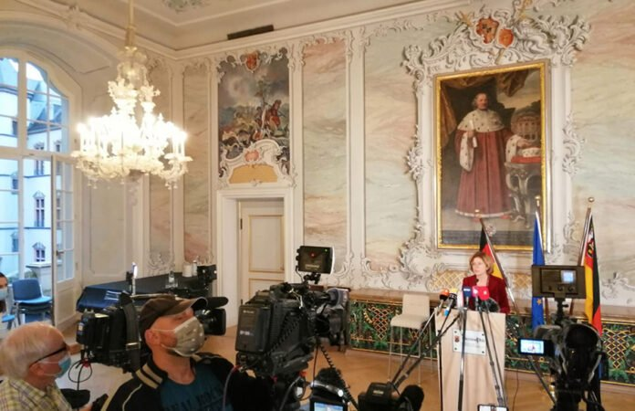Ministerpräsidentin Dreyer in Trier zum Thema Lockdown